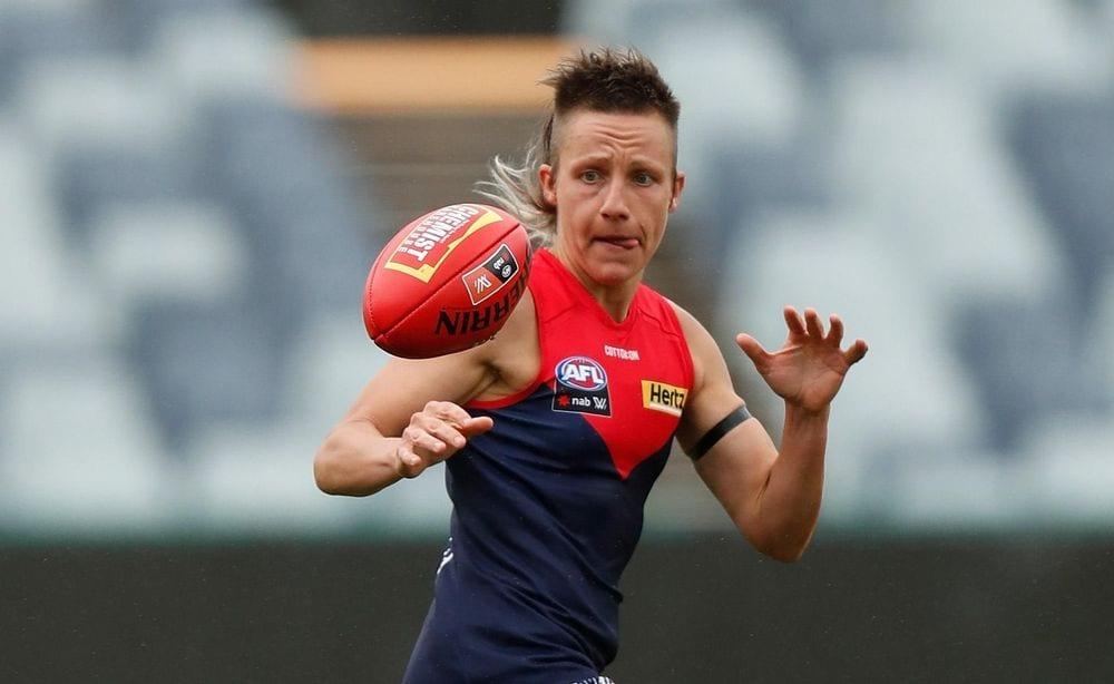 Melbourne ball-magnet Karen Paxman. Picture: AFL Photos
