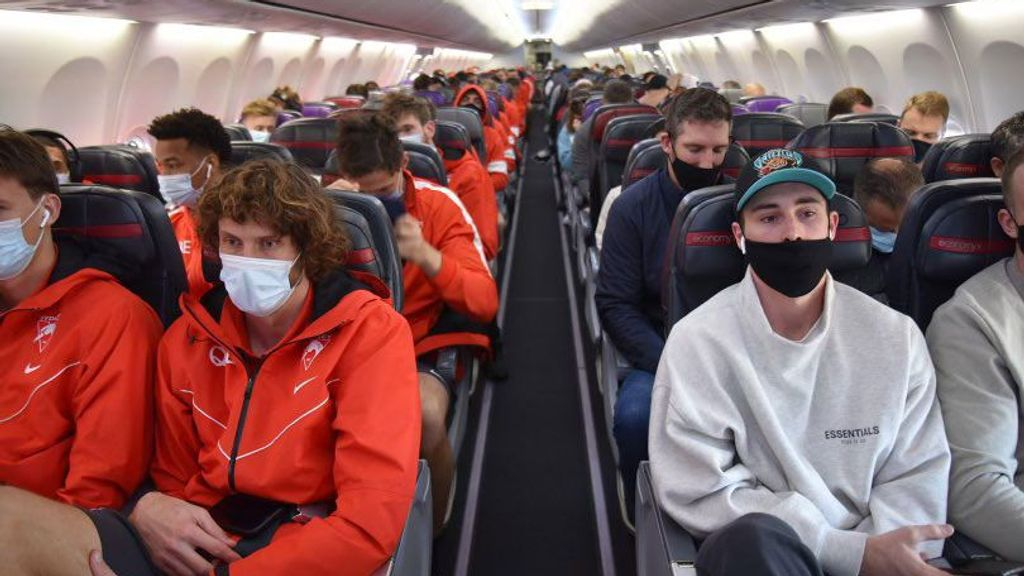 GWS Giants, Sydney Swans, Western Bulldogs to leave Melbourne ASAP to avoid  COVID outbreak